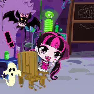 Chibi Draculaura Halloween Slacking